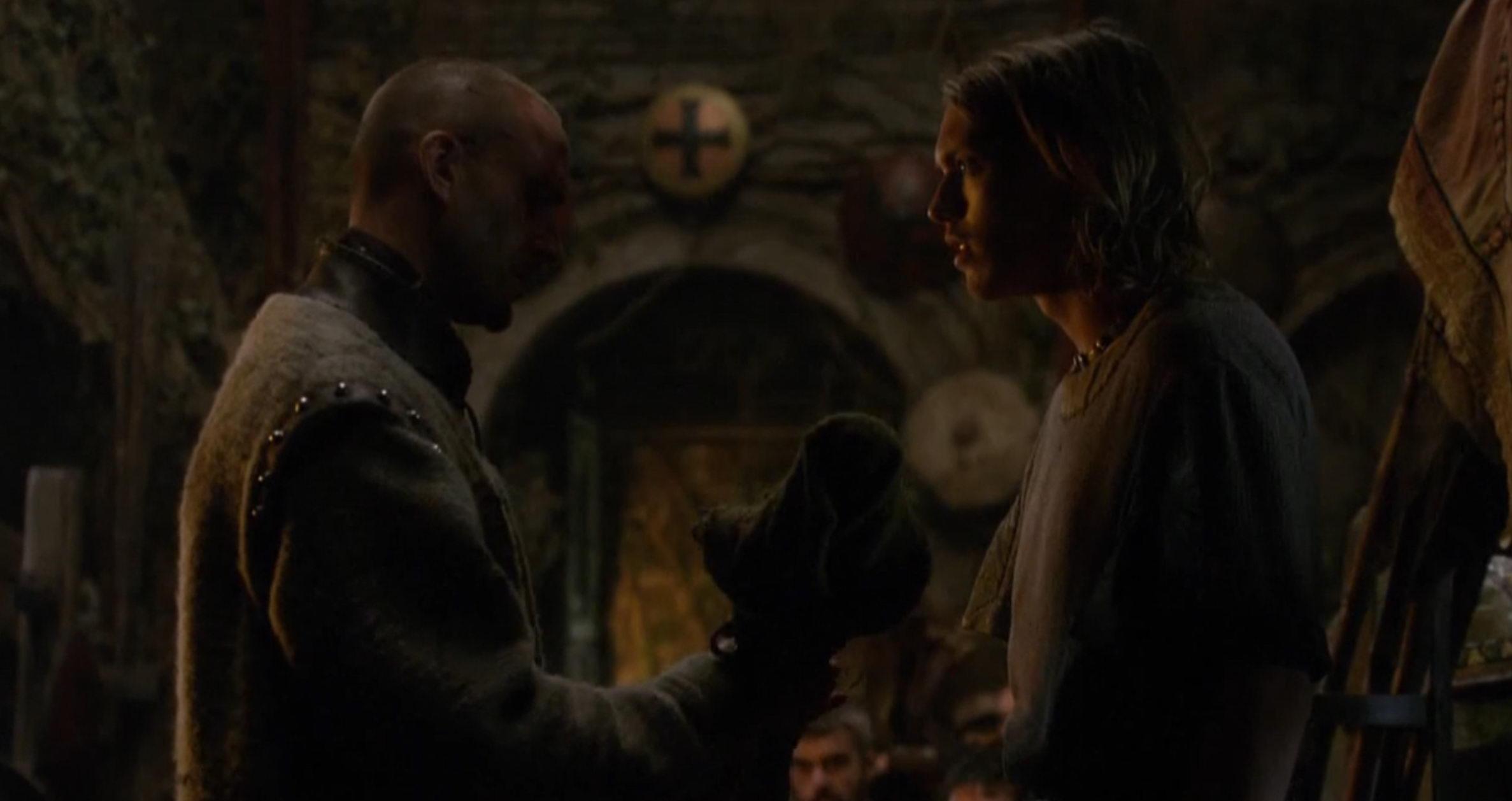 Мерлин вручает Артуру меч